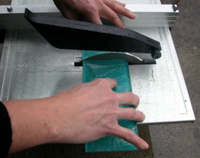 how-to-cut-with-a-wetsaw-step-7-interstyle
