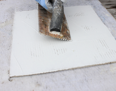 how-to-lay-mosaic-tile-sheets-step-5-flatten-surface-of-thinset-interstyle