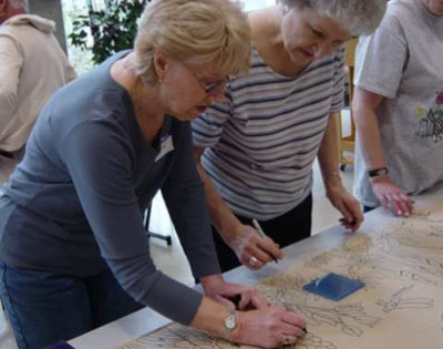 connie-glover-making-a-community-mosaic-3-interstyle